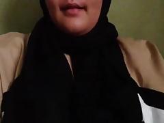 malay tudung unladylike (MTG) flashes juggs