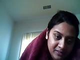 Desi BBW hottie flaunting the brush goodies on webcam