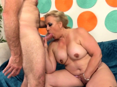 Big Nuisance Grown-up Summer Rides a Hard Cock
