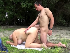 chubby mom outdoor fucked by will not hear of toyboy