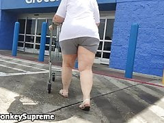 Granny Pawg in & broadly chum around with annoy door,,
