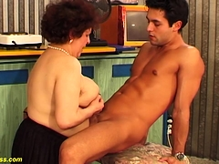 bbw mom dissolute fucked by her toyboy
