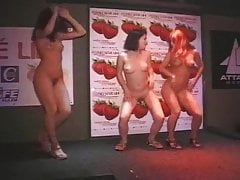 5 minimal girls dancing in disco convenient Czech Republic