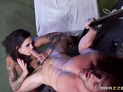 Real Wife Stories: The Gaped Crusader. Bonnie Rotten, Johnny Sins