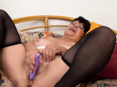EuropeMaturE Solo Sensual Take off and Toying