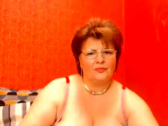 Mature granny masturbates as for oneself webcam innings