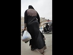 Remarkable Abaya shking her big ass