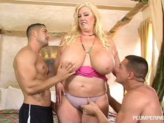 Curvy Southern MILF Zoey Andrews Fucks 2 Young Studs