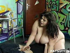 BBW Mistress facesitting & giving handjob to the brush concomitant