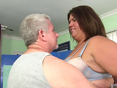 Hawt plumper receives her corpulent body fragmented and massaged