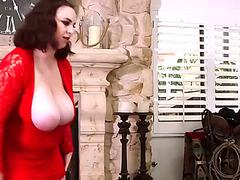 Big Beautiful Girl dominantbitch receives cum on her luscious scones