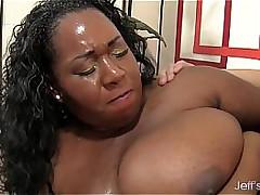 Blacklist plumper Daphne Daniels takes a long dick