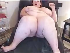 down in the mouth BBW masturbates on webcam