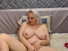 Big and Beautiful Blond Woman Give Huge Tits
