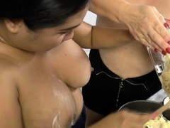 Cake batter unseeable gran gets pussy toyed