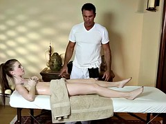 alluring massage babe deepthroats big cock