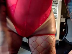 mart pawg teases with sensual body dance